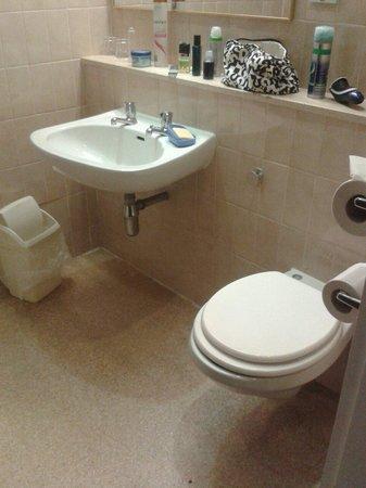 Britannia Nottingham Hotel: Bathroom 608