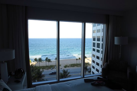 Sonesta Fort Lauderdale Beach: View from bed