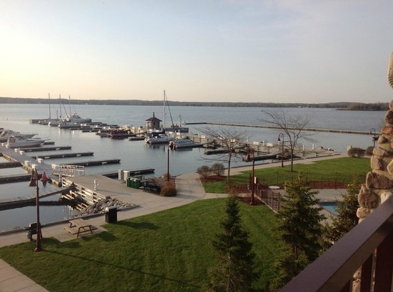 Wave Pointe Marina & Resort: View from our suite