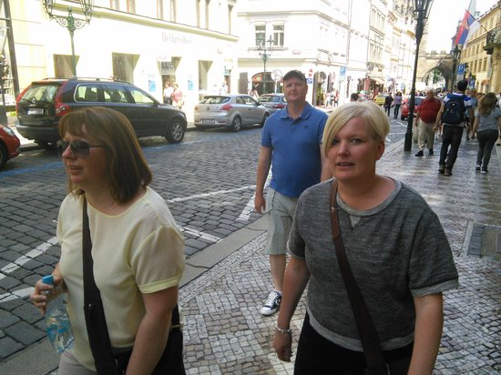 Prague Airport Transfers : following Ross