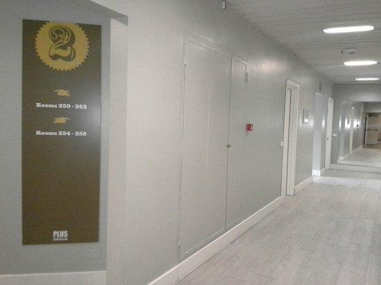 Plus Florence : Room access hallway