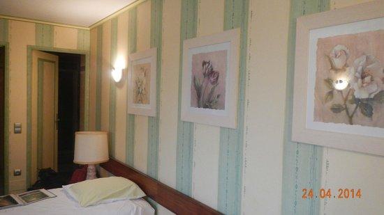 Earl Champagne Gilmaire-Etienne : Quarto do hotel