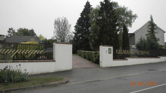 Earl Champagne Gilmaire-Etienne: Frente do Hotel