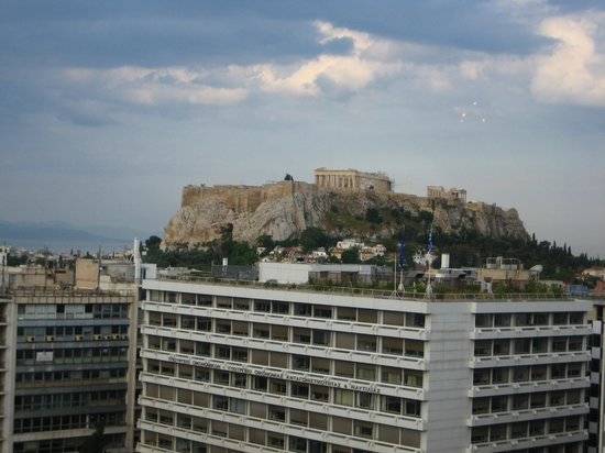 King George, A Luxury Collection Hotel: A view of the Acropolis from Dining room