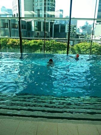 Crown Promenade Melbourne: Pool
