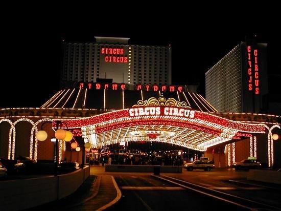 Circus Circus Hotel & Casino Las Vegas : circus circus de noche en Las Vegas