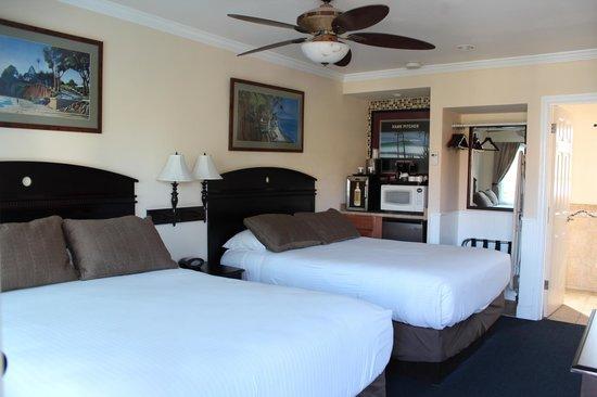Blue Sands Motel : Our room