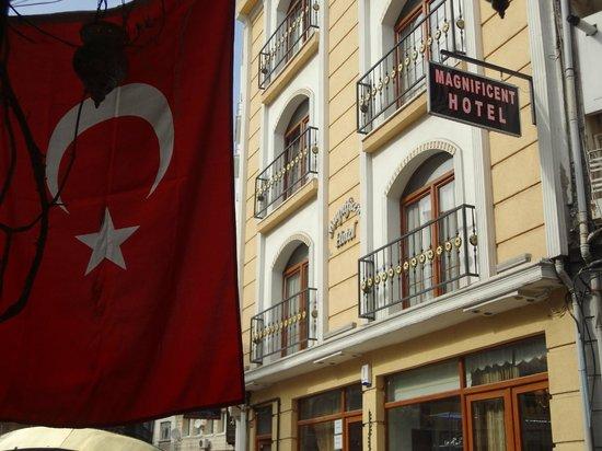 Magnificent Otel: fachada do hotel