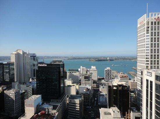 Metro Suites Apartment Hotel: Vista desde balcón