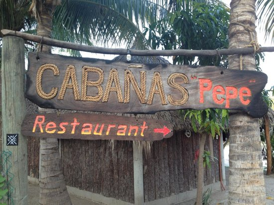 Pepes Cabanas Surf Camp: Entrance