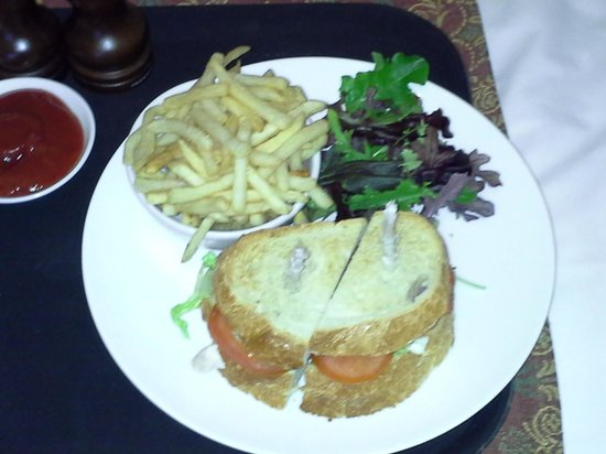 Danesfield House Hotel And Spa: Club sandwich and chips.