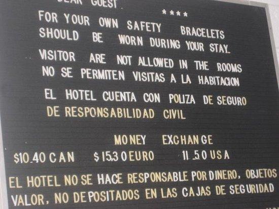 Tropicana Hotel: No visitors......not even your mama