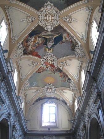 Basilica Collegiata: Frescos on the ceiling