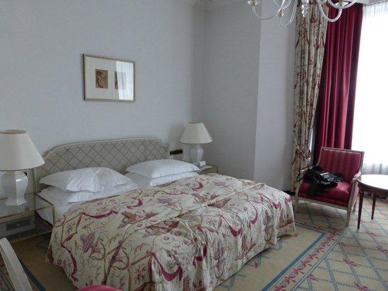 Excelsior Hotel Ernst : Room