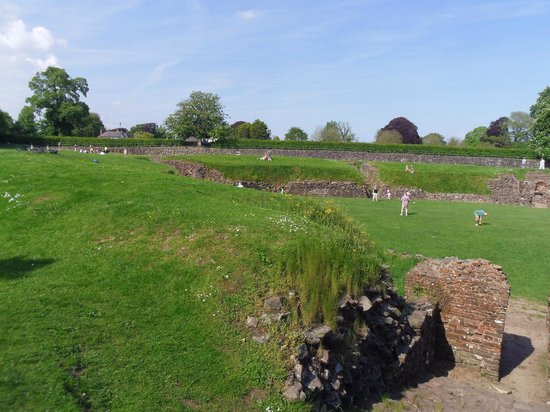 Caerleon Roman Fortress and Baths: Caerleon Roman Fortress