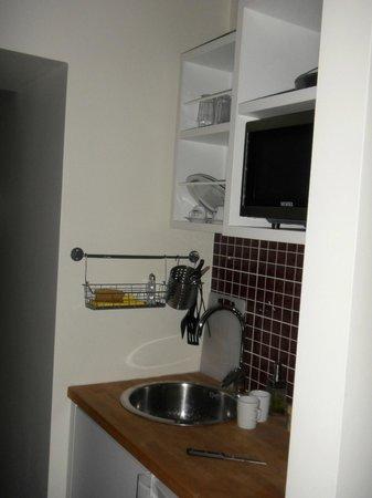 Nuru Ziya Suites : Cuisine dans chambre