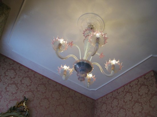 Hotel Carlton on the Grand Canal : Chandelier