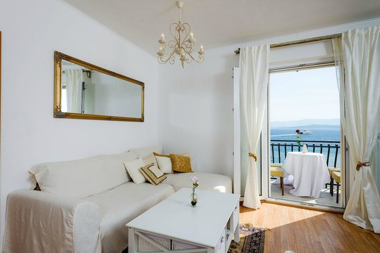 Apartments Santo: living room