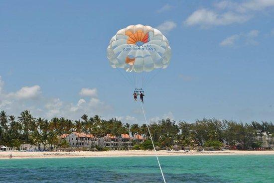 The Reserve at Paradisus Punta Cana: Parasailing