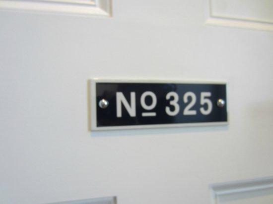 Great Northern Hotel, A Tribute Portfolio Hotel: Room 325, beautiful corner room