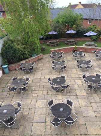 The Gladstone Arms: Beer Garden