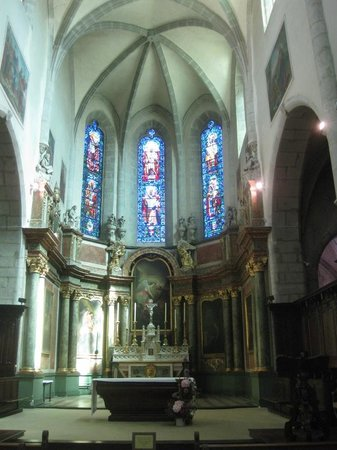 Cathedrale Saint-Pierre : altare