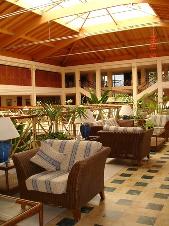 Hotel Barrosa Park: hall