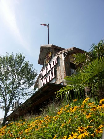 Louisiana Boardwalk: Anchored by Bass Pro Shops