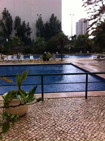 Apartamentos Jardins da Rocha: poor area