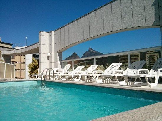 Scorial Rio Hotel: Vista da piscina