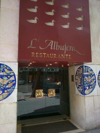 L'Albufera Restaurante: Entrada al restaurante L'Albufera