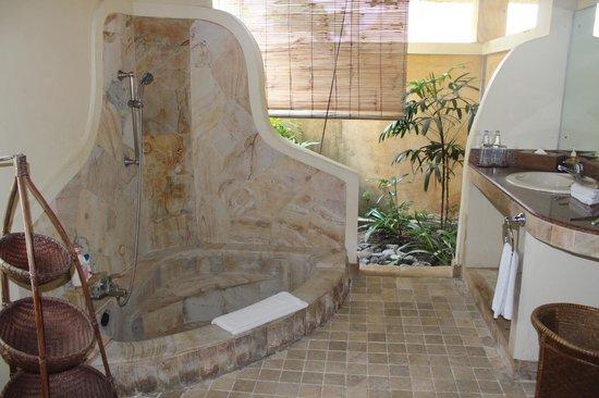 Rumah Bali : Bathroom