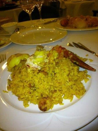 L'Albufera Restaurante: Arroz servido en plato de L'Albufera