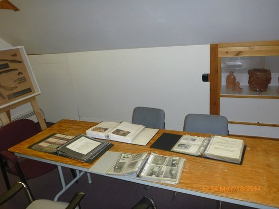 Nunatta Sunakkutaangit Museum: Upper level: photo collection detailing history of Iqaluit