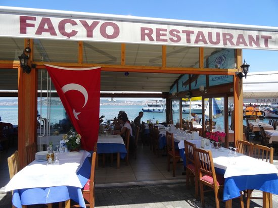 Burgazada: A great choice for waterfront dining.