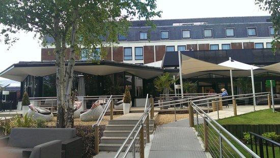 Crowne Plaza Stratford-Upon-Avon: Outdoor terrace