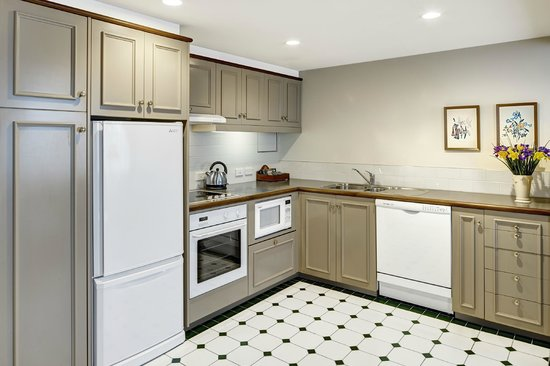 Heritage Christchurch: Two bedroom Suite Kitchen