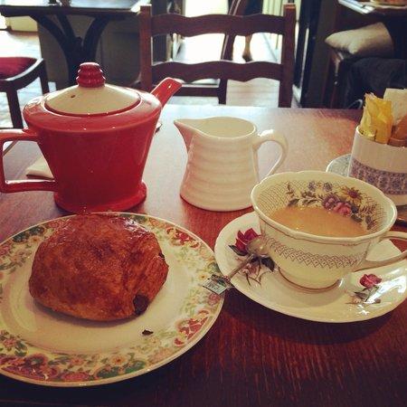 Juliet's Cafe: Lovely morning tea & pain au chocolat
