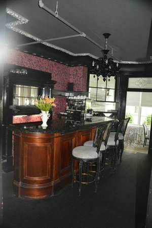 The Peter Shields Inn: Espresso and wine bar