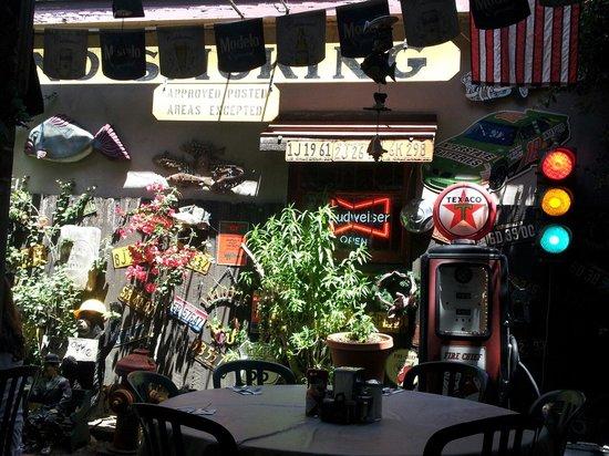 Nini's Coffee Shop