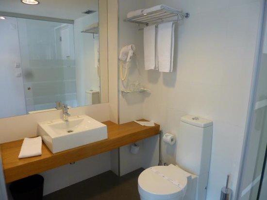 Hotel Laranjeira: Sallede bain