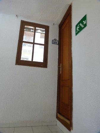 Barbieri Granada Hostel: Habitación del tercer piso (doble compartida)