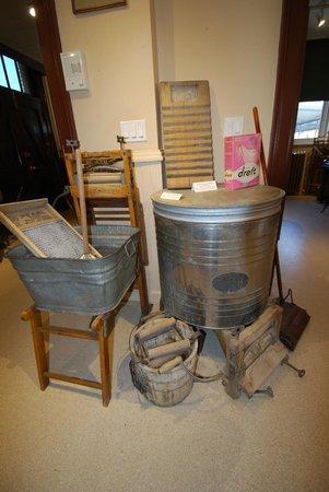Revelstoke Museum: Heritage washing artifacts