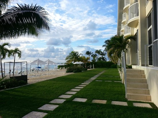 South Bay Beach Club: grounds