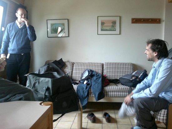 Cirrus Apart: Comedor - habitación. Ese sillón se hace cama