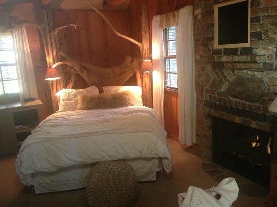 Cottage Inn: Romantic Hideaway Cottage Room