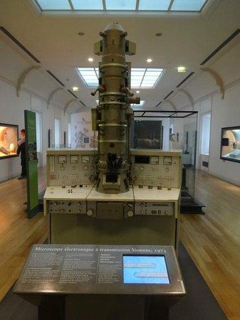 Musée des arts et métiers : Electron Microscope