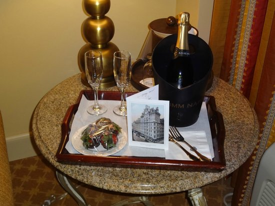 Omni Parker House: Gift upon arrival!