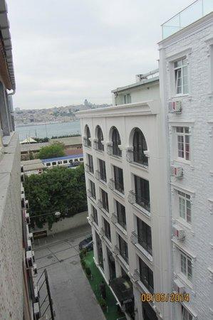 Hotel Emek : Вид из окна на Босфор