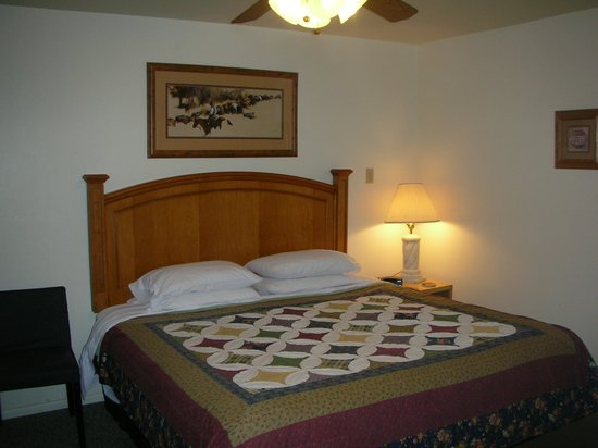 Buckskin Lodge : Suites 8 upgraded to King Bed!